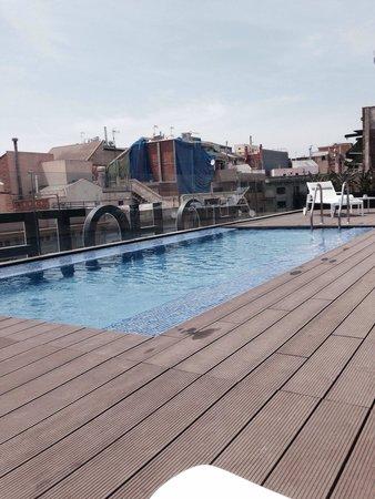 H10 Art Gallery: Petite piscine sur le toi