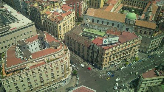 NH Napoli Ambassador : Veduta dal 30° piano