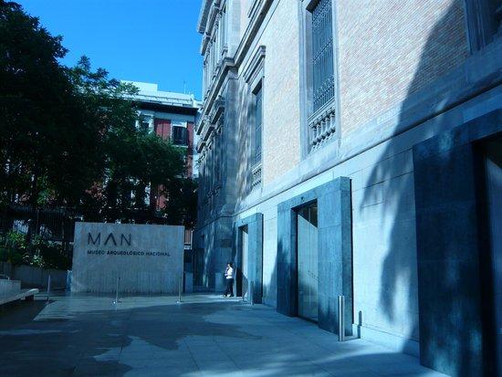 Museo Arqueológico Nacional: Nueva entrada