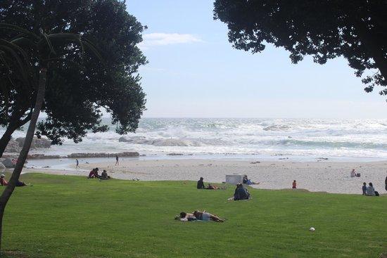 Camp's Bay Beach: Mar revolto
