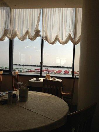 Hotel Classic: vista mare risto