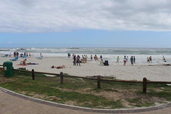 Camp's Bay Beach: Praia