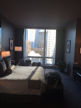 Trump International Hotel & Tower Chicago: 1 bedroom river view suite