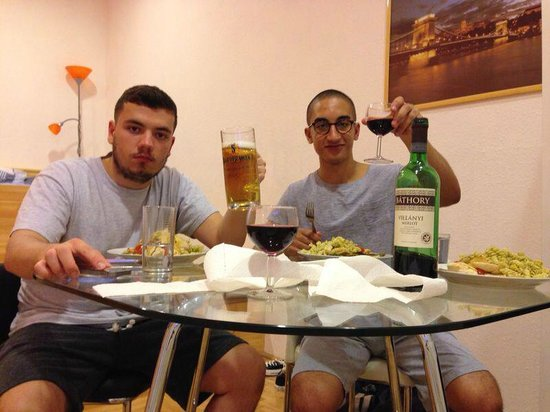 Katona Apartments: Having dinner and a drink inside the apartment