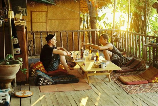 New Phiman Riverview Guesthouse: chill out area.