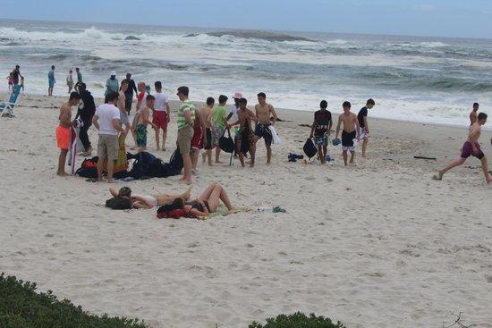 Camp's Bay Beach : Banhistas