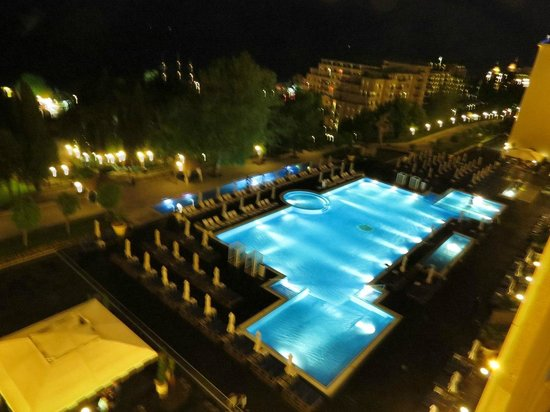 Melia Grand Hermitage: Бассейн ночью