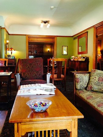 The Inn on Ferry Street: Breakfast/Sitting Room, Scott House