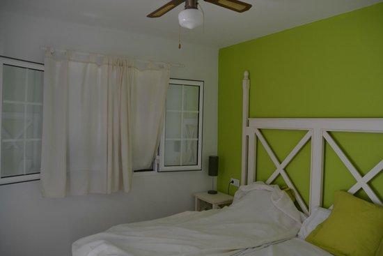 Menorca Vacations: Большая спальня