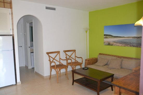 Menorca Vacations: Гостиная