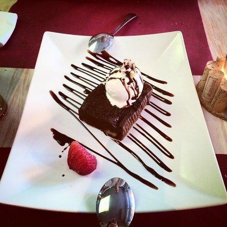 AMORE MIO : Best brownie EVER.