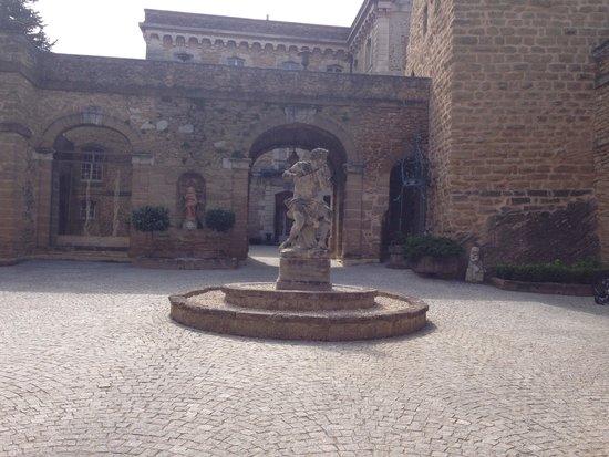 Chateau de Rochegude : Terrasse