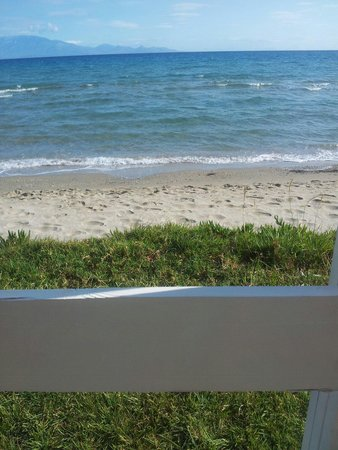 Alykanas Beach Apart-Hotel: beautiful beach side location.
