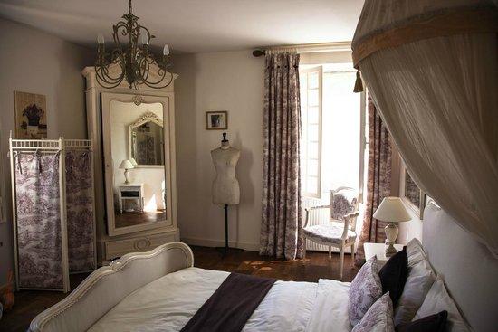 Moulin de la Ville : Beautiful bedroom