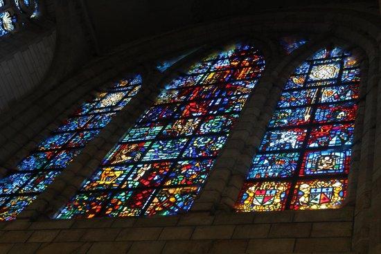 Catedral de St. George (San Jorge): Vitrais