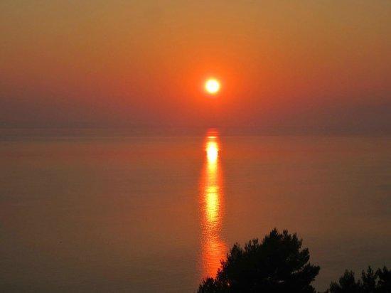 Villa Contessa: Sonnenaufgang mit Blick vom Balkon