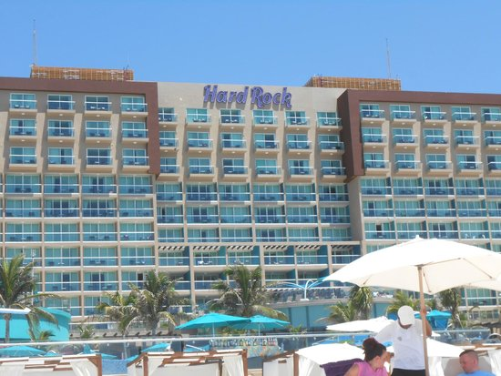 Hard Rock Hotel Cancun : a view of the Hotel from the beach.