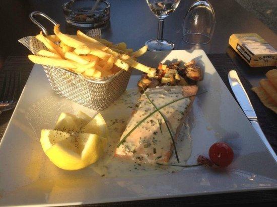 Pav de saumon picture of hotel restaurant la truite for Bains les bains restaurant