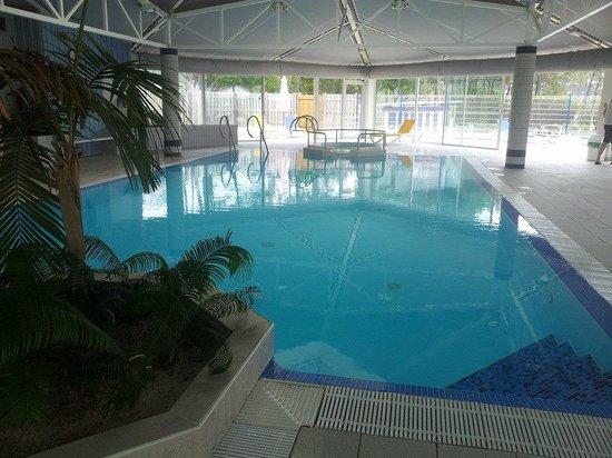Camping Le Saint Martin : piscine chauffee