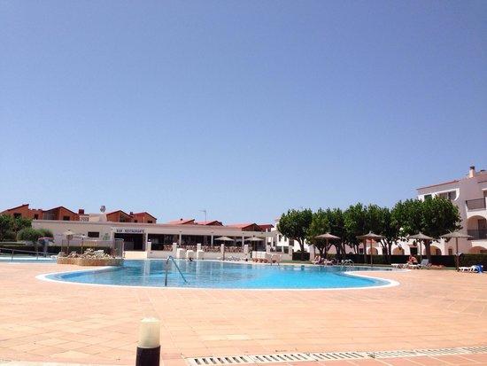 Apartamentos Vista Blanes : Pool area