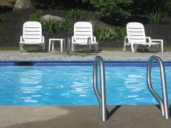 BEST WESTERN Inn & Suites Rutland-Killington: Pool Area