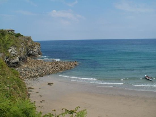 The Driftwood Spars B & B : The beach, only 1 minute walk to get to!