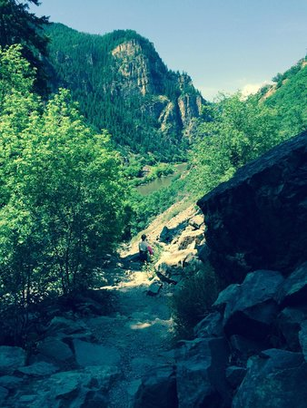 Hanging Lake Trail : View of Colorado River from trail