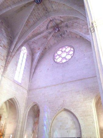Cathedral Ciudadela: Rise window