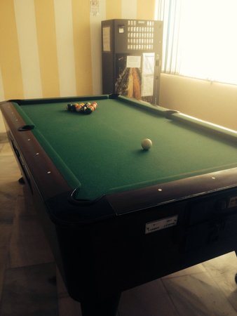 BelleVue Vistanova: Pool table at the bar