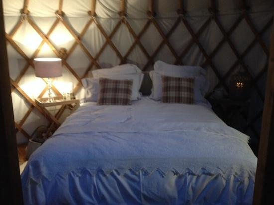 The Little Yurt Meadow: comfy bed!