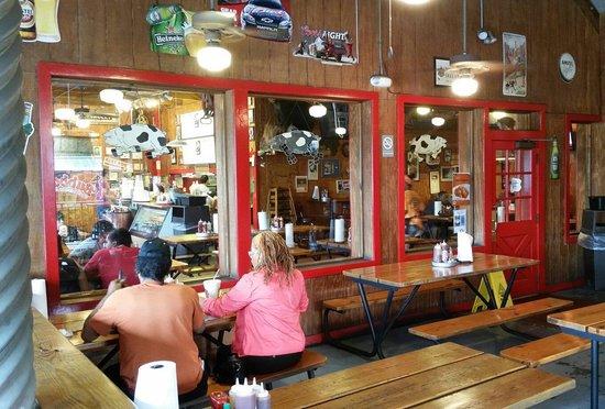 Bubbalou's Bodacious Bar-B-Que: Covered exterior dining.