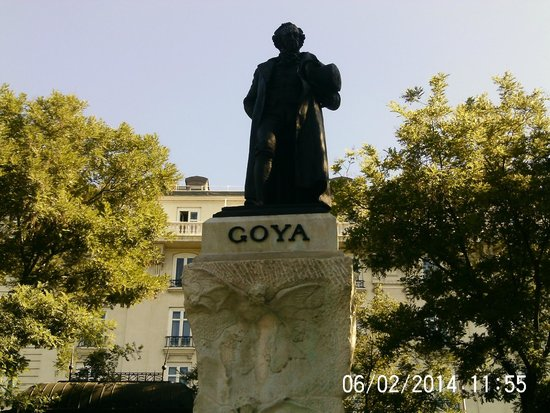 Prado National Museum: Statue of Goya Outside the Ticket Booths
