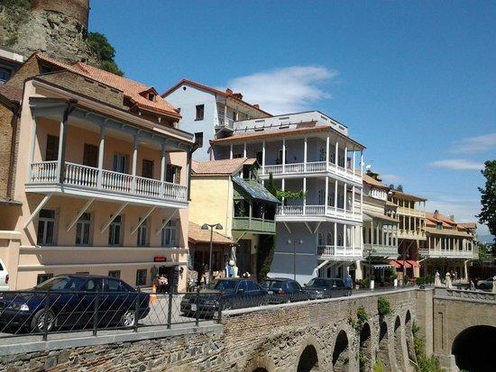 Hotel Elesa: Tbilisi architecture...lovely.