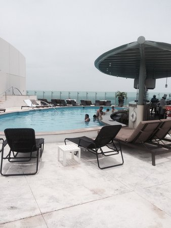 Sun Palace: Sky bar on the roof of Beach Palace