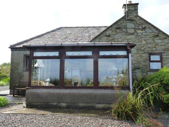 Mull of Galloway Holidays : outside fabulous cottage