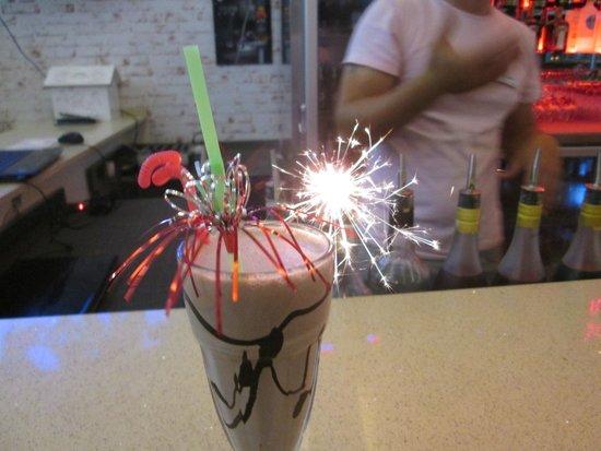 Belcehan Beach Deluxe Cafe Bistro: Chocolate Milkshake