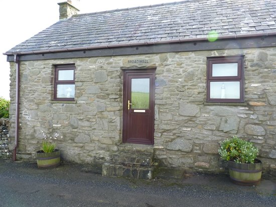 Mull of Galloway Holidays: front of cottage