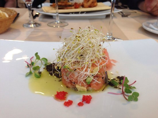 Sun Garden: The best salmon tartar ever.