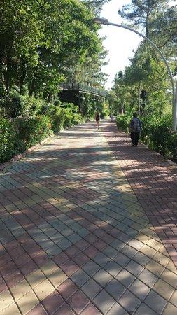 Marmaris Park: Promenade walk to Marmaris