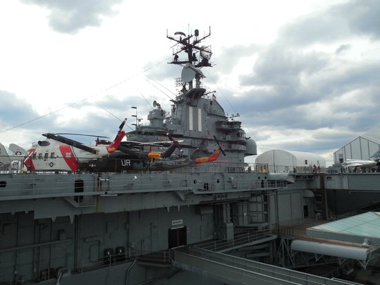 Intrepid Sea, Air & Space Museum : Porta Aviões
