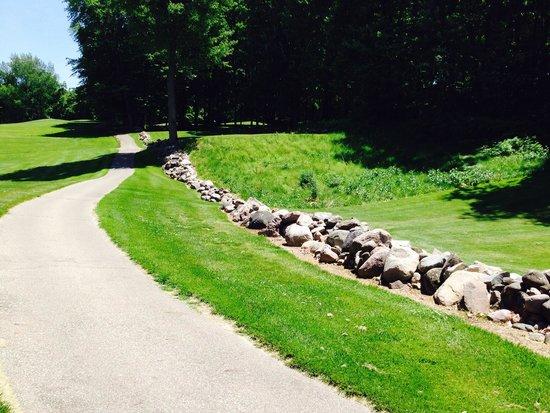 Gull Lake View Golf Club and Resort Fairway Villas : Stonehenge