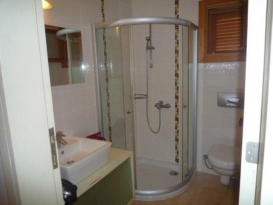 Hotel Begonvil : Badezimmer