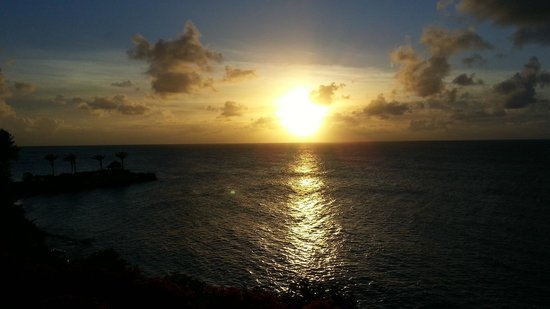 Blue Waters Antigua: Beautiful Caribbean Sunset from Cove Suite Balcony