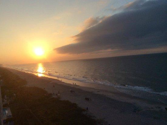 Ocean Reef Resort: Sunrise
