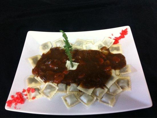 L' Escapade : Raviolis niçois sauce daube
