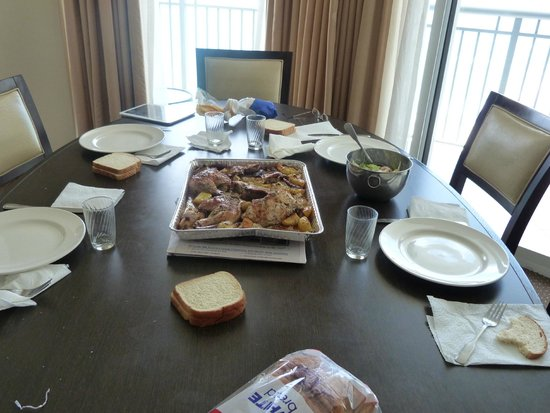 Doubletree by Hilton Ocean Point Resort & Spa - North Miami Beach: comedor