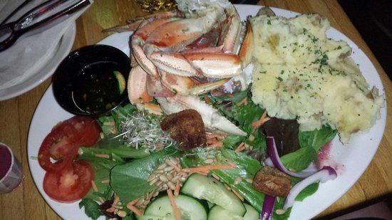 Gunflint Tavern: Dungeness Crab Legs Dinner