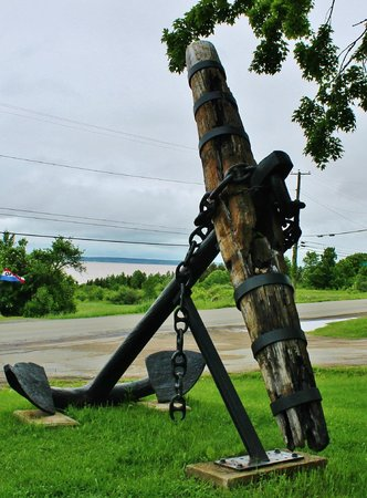 Albert County Museum: Anchor at entrance
