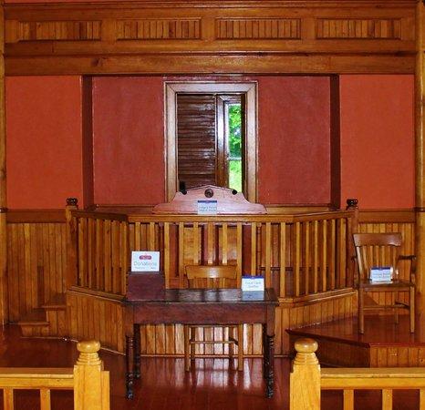 Albert County Museum: Judges seat
