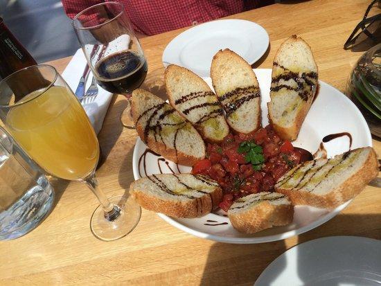 Glasshouse Bistro and Cafe: Brushetta.. So fresh and tasty!